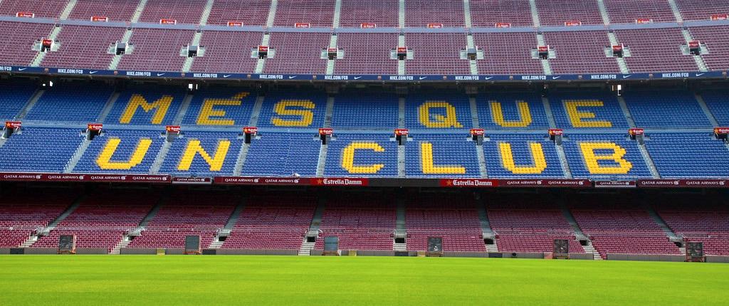Devise FC Barcelona Mes que un club Camp Nou